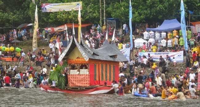 Tradisi Balimau | Sumber: Seruji