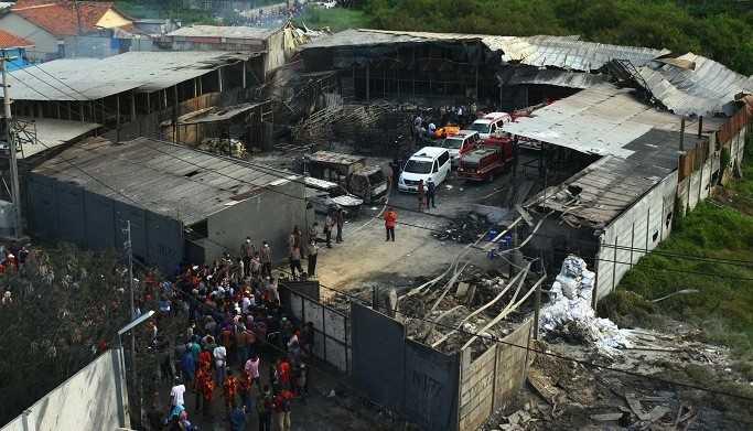 Pabrik petasan yang terbakar