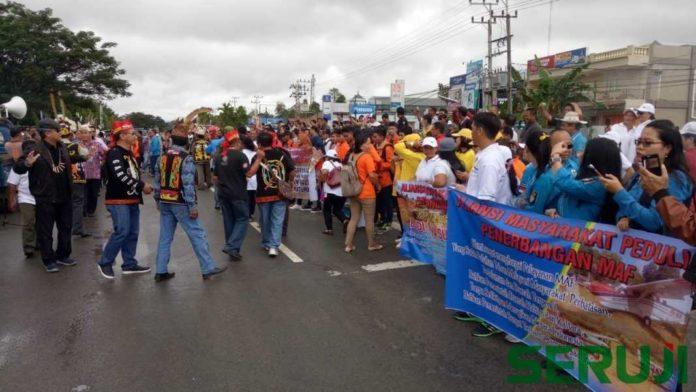 Demo di bandara Malinau