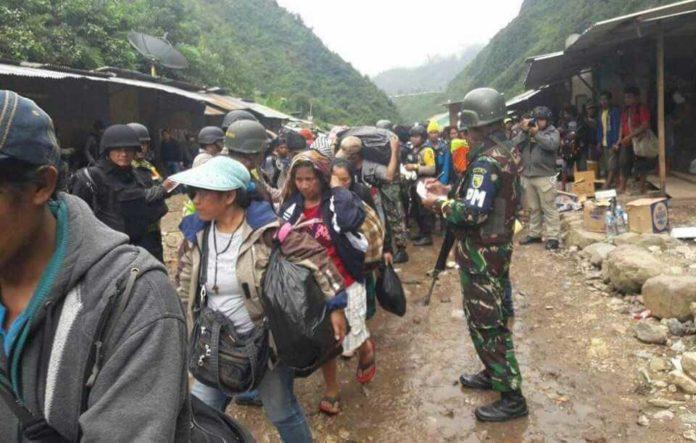 Pembebasan sandera dan evakuasi warga dari kelompok separatis Papua