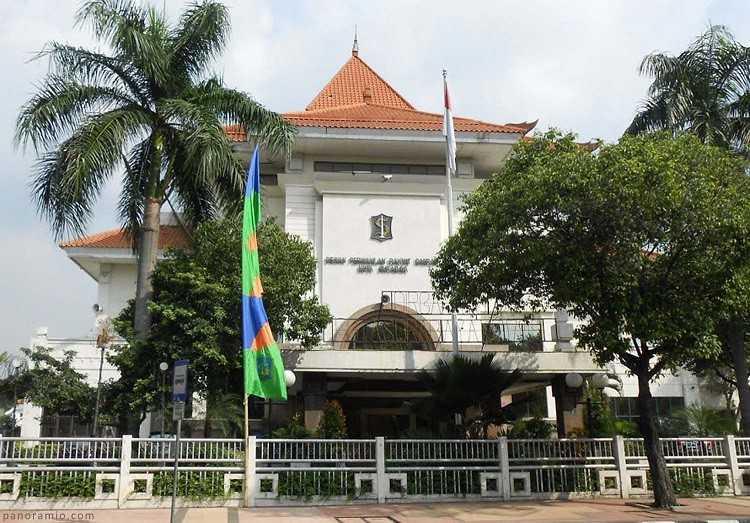 DPRD Surabaya
