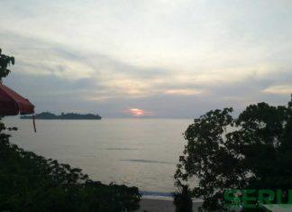 Menikmati Sunset Dari Bukit Gado-gado