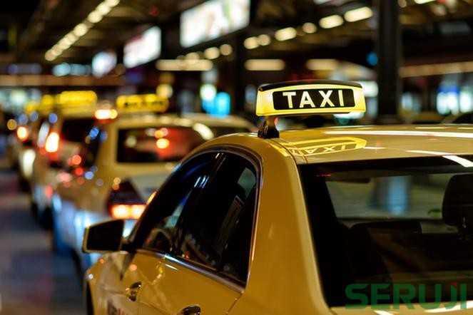 AM800-News-Taxi-Cab-Stock-Photo-1