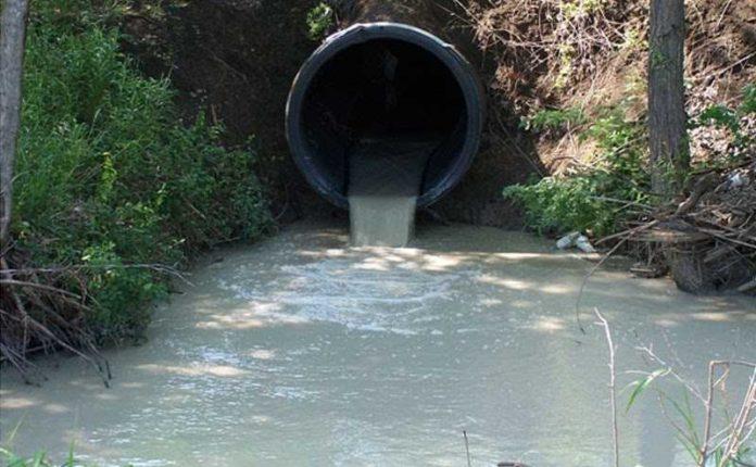 limbah di sungai
