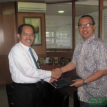 Zainul Daulay Ketua Yarsi Sumbar Bersama Rektor Unand