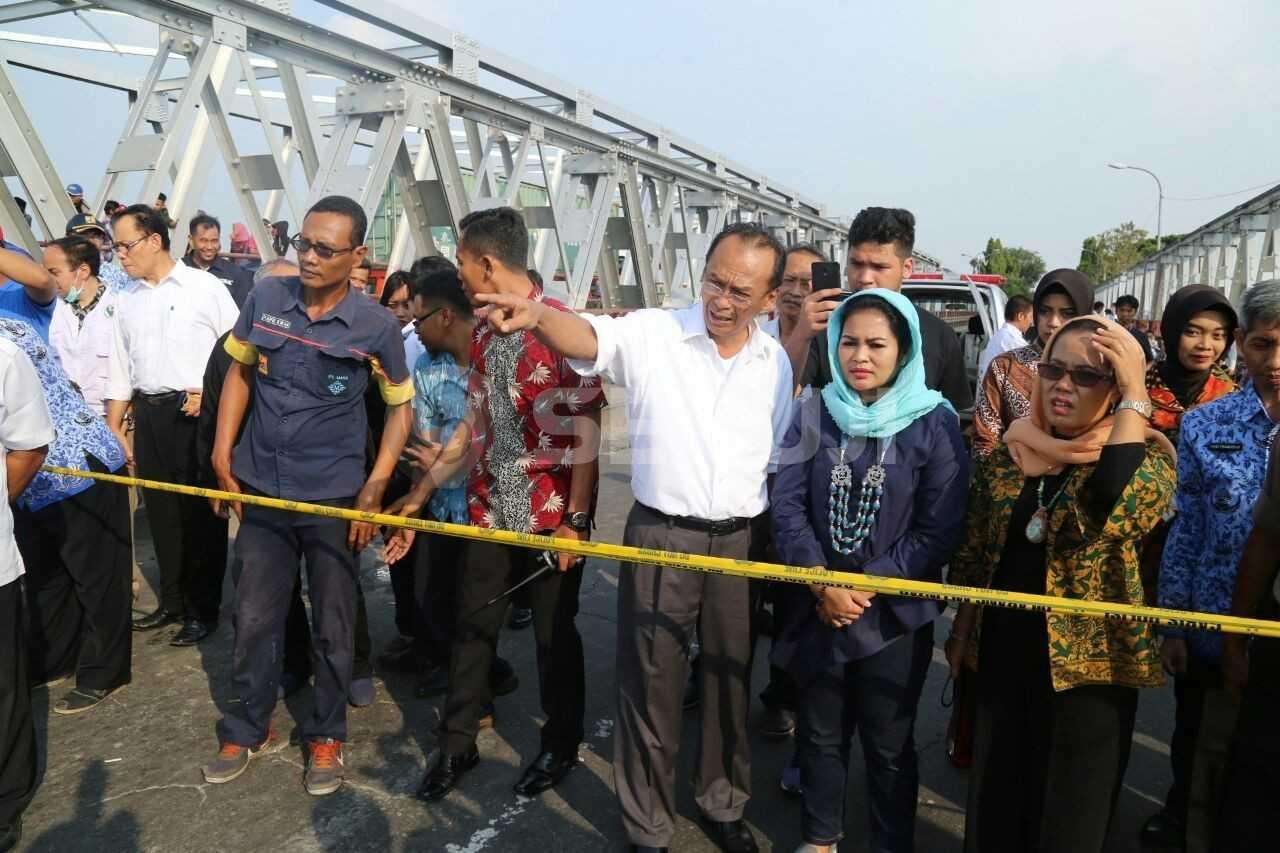 Jembatan Widang Ambrol
