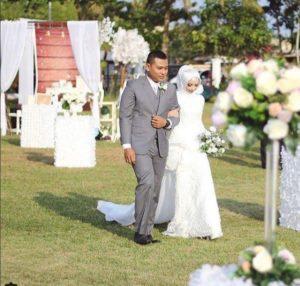 Ide pernikahan rustic