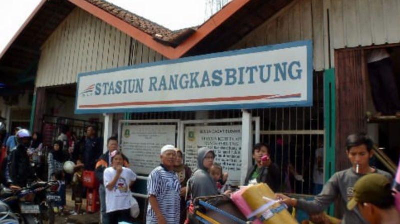 KA Rangkasbitung-Jakarta