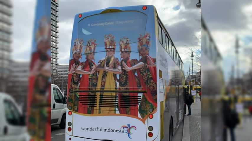 Bus Wonderful Indonesia